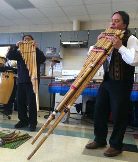 Ecuadorean ensemble Andes Manta