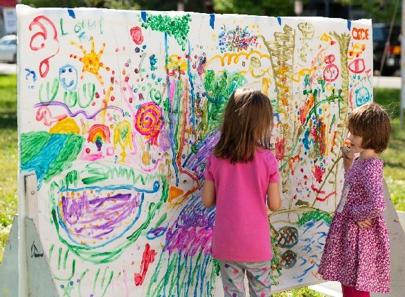 Lotus in the Park, Children Painting